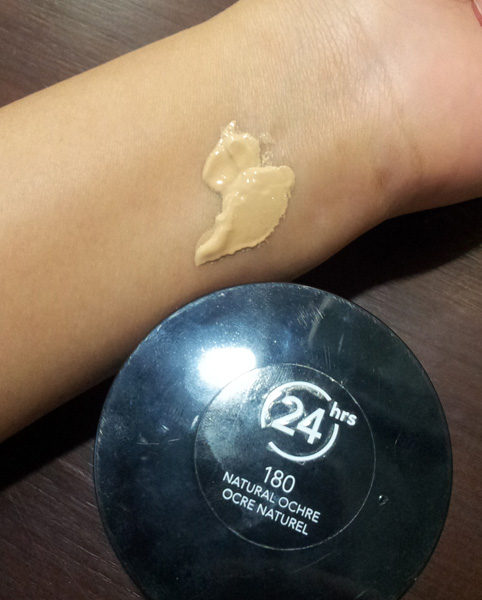 Revlon Colorstay Whipped Creme Makeup Foundation Review and Swatch, ทดลองสีครีมรองพื้น Revlon Colorstay Whipped Creme Makeup Foundation, Revlon Colorstay Whipped Creme Makeup Foundation ใช้ดี, ถูกและดี, Makeup, Drugstore Foundation, Drugstore Makeup, Mousse Foundation, Whipped creme foundation