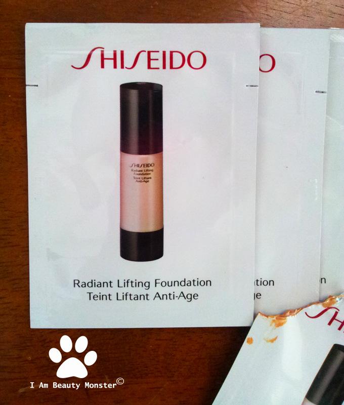 Shiseido Radiant Lifting Foundation review, รีวิว Shiseido Radiant Lifting Foundation, รีวิวครีมรองพื้นเทพ, รีวิวครีมรองพื้นใช้ดี, รีวิวครีมรองพื้นสำหรับผิวแห้ง, รีวิวครีมรองพื้นสำหรับผิวธรรมดา, รีวิวครีมรองพื้นสำหรับผิวผสม, รีวิวครีมรองพื้น, รีวิวครีมรองพื้น Shiseido Radiant Lifting Foundation, Shiseido Radiant Lifting Foundation Review and Swatch, Shiseido Radiant Lifting Foundation, ครีมรองพื้น, i am beauty monster, iambeautymonster, blogger, beauty blogger, ทดลองและรีวิวครีมรองพื้นเทพ, รีวิวครีมรองพื้นชิเซโด้, Shiseido Radiant Lifting Foundation Teint Liftant Anti-Age, Shiseido Radiant Lifting Foundation Teint Liftant Anti-Age Review