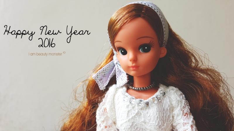 มาสวัสดีปีใหม่ค่ะ, ขอให้ทุกท่านมีความสุขสมหวัง, เจริญรุ่งเรืองร่ำรวย คิดทำสิ่งใดขอให้ประสบความสำเร็จสมดังปราถนาทุกสิ่งอย่าง, พบเจอแต่สิ่งดีดี พบเจอแต่กัลยาณมิตร พบเจอแต่แสงสว่างนำทางชีวิตให้นำพาไปสู่สิ่งที่ดีดี เจริญรุ่งเรือง, ไม่เจ็บ, ไม่จน, ไม่มีความยากลำบาก, ไม่มีอุปสรรค ขอให้ทุกท่าน, สวย!, หล่อ!, รวย!, ปัง!, Love, Licca, Licca Chan, Neo Licca Chan, Rika-Chan, Happy New Year, สวัสดีปีใหม่ 2559, 2016, Doll Lover, ตุ๊กตาลิกกะจัง, ตุ๊กตา Licca, Licca Doll