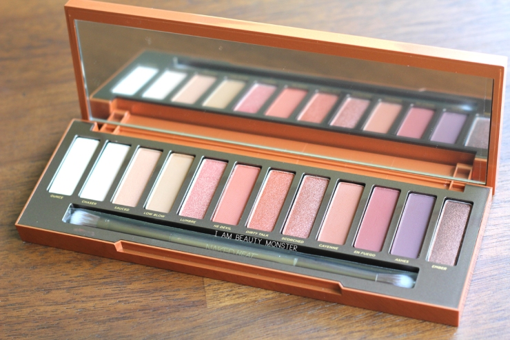 อายชาร์โดว์, เออบาน ดีเคย์, Urban Decay, รีวิว Urban Decay, Urban Decay Naked Heat Palette Review, รีวิว Urban Decay Naked Heat Palette, NAKED Palette, Eyeshadow, Naked palette 3, Naked palette 2, Naked palette Heat, Urban Decay Vice 2, รีวิวอายชาโดว์